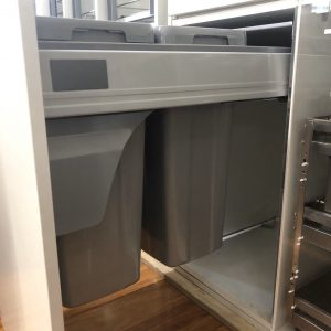 Thùng rác Âm tủ Ray hộp Giảm chấn Cao cấp Chiều rộng tủ 400mm